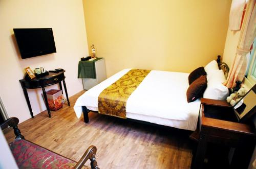 All Party Hostel