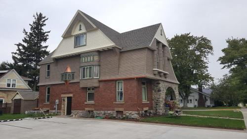 Hart House Bed & Breakfast