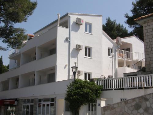 Villa Vanda Seafront Apartments