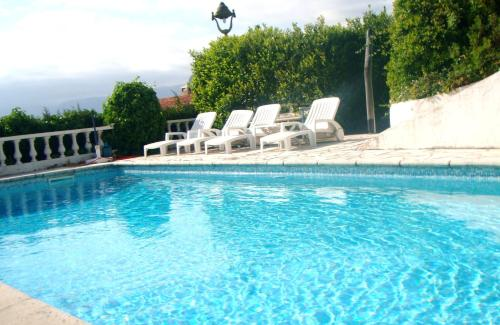 Villa 300 sqm on Fabron hill with pool