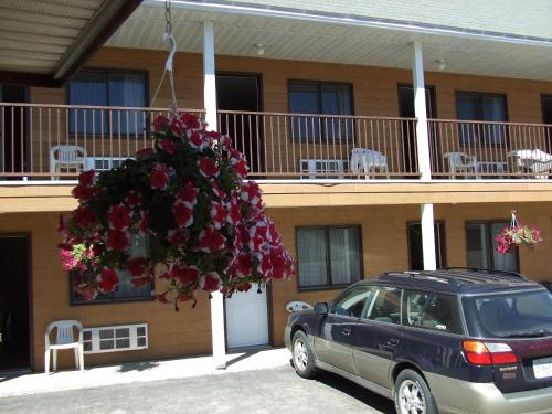 Mary's Motel