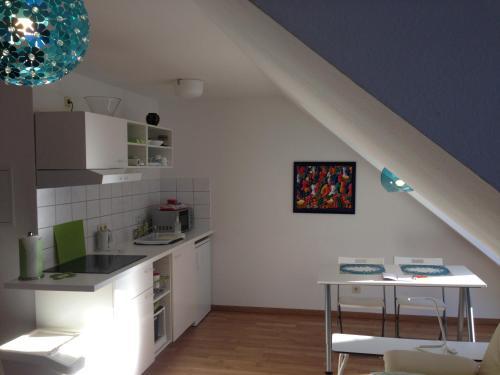 A kitchen or kitchenette at Apartment Ochsenfurt