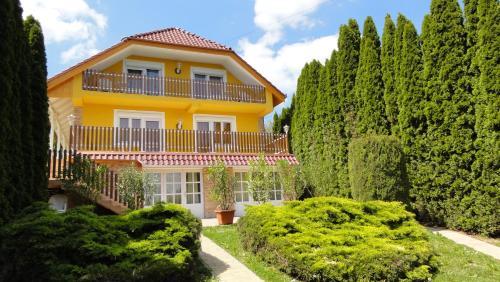 Magyar Apartmanház IV.
