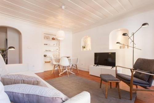 A seating area at Your Lisbon Home Príncipe Real