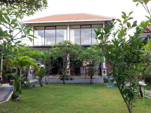 Puri Mandhara Lovina