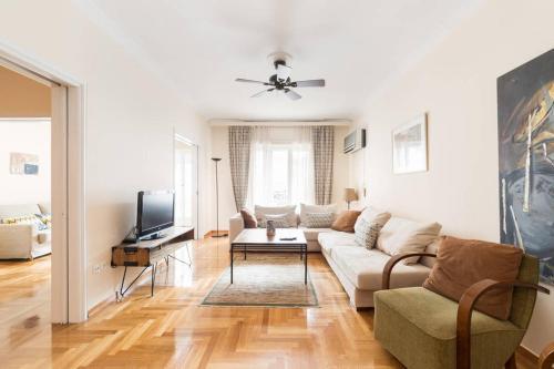 A seating area at Irodotou Grand Apartment