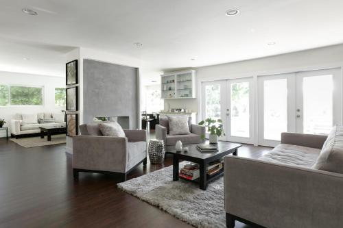 1030 - Sherman Oaks Contemporary Villa