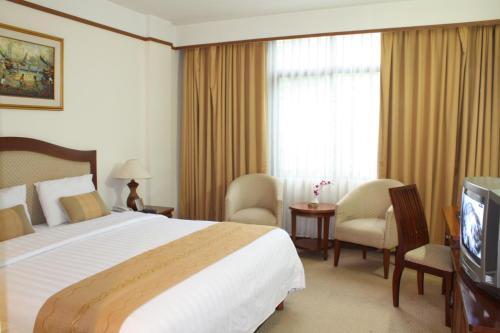 Grand Pasundan Convention Hotel
