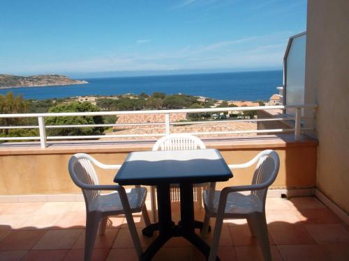 A balcony or terrace at Calvi Residence
