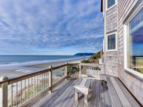 Courtyard Oceanfront Beach House