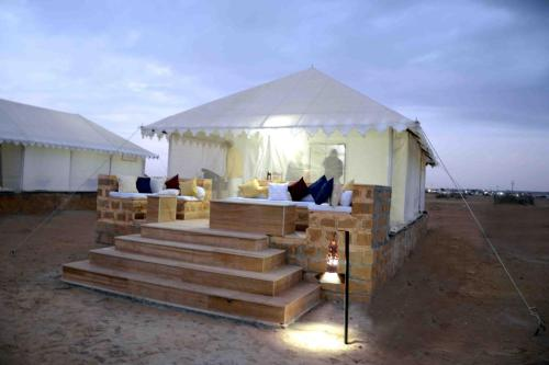 Desert Gateway Resorts