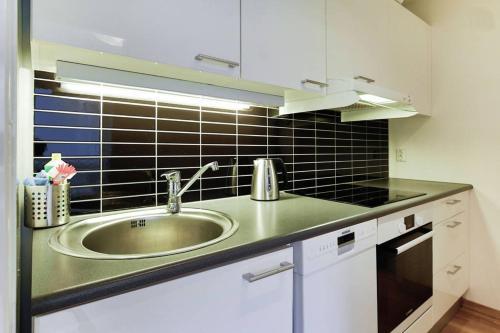 A kitchen or kitchenette at Nordic Host - Kirkegata 19