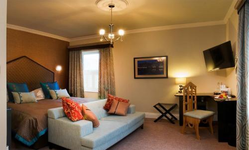 Hatherley Manor Hotel