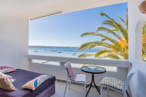 HOMEnFUN Formentera Suites