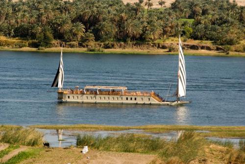 Dahabeya Queen Farida Sailing Boat - Esna/Aswan 5 Nights