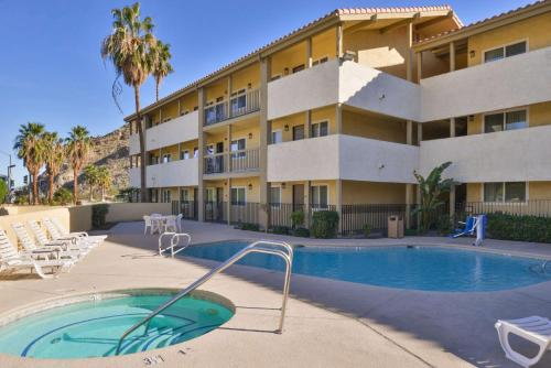 Red Lion Inn & Suites Cathedral City Palm Springs