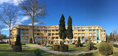 Varna Garden View Apartment