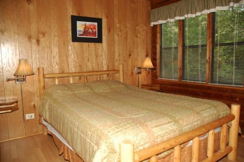 Carolina Landing Camping Resort Cabin 12