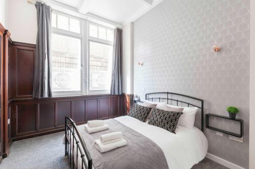 Alexandra House Apartment