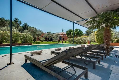 Villa with Pool near Aix-en-Provence