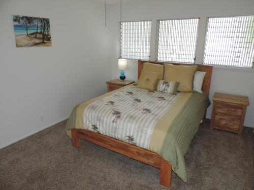 Newly Renovated Waterfront Home: Perfect for Families or Business Travelers!