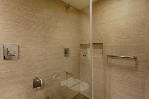 Quality Hotel D V Manor