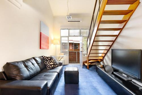 Paddington Self-Contained Modern One-Bedroom Apartment (25OXF)