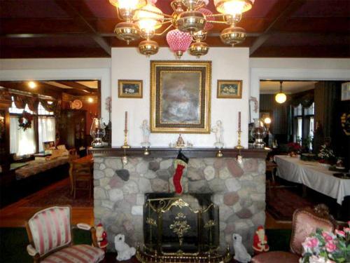 The Victorian Tudor Inn