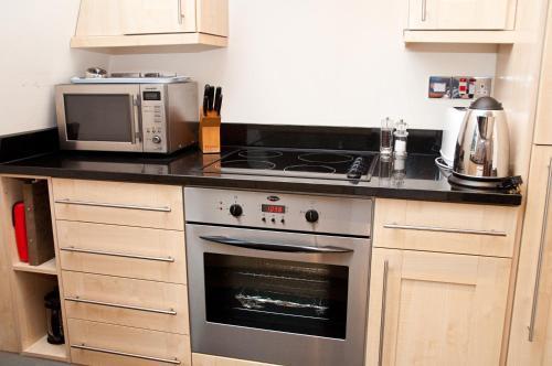 A kitchen or kitchenette at Clarendon Minories