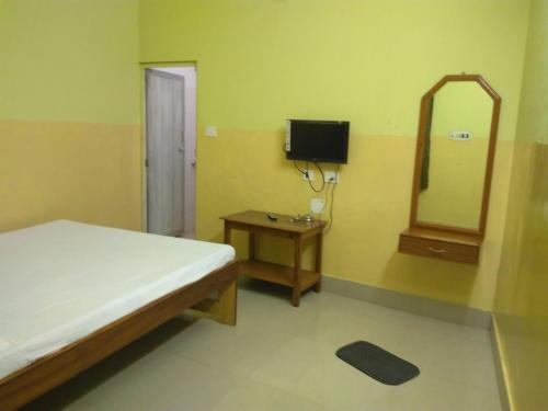 India Tours Only Kavita Guest House