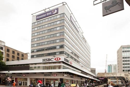 Premier Inn Birmingham City Centre - New Street