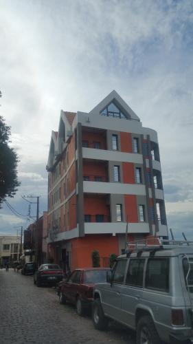 Rainiaro Building