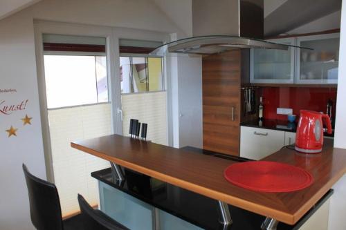 A kitchen or kitchenette at Haus Mittersill