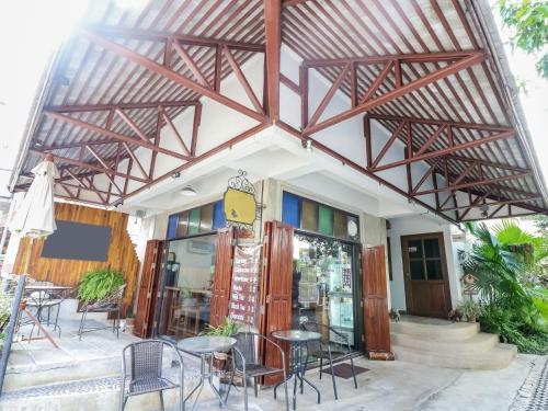 NIDA Rooms Moon Muang Sriphum Minimal