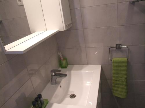A bathroom at Apartment Deni