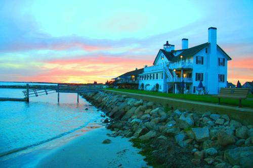 Lighthouse Inn Cape Cod
