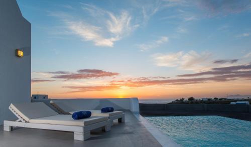 Azar Luxury Villas & Suites