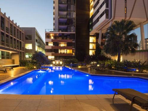 Arena Apartments, Brisbane, HD Review - YouTube