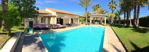 Luxueuse Villa Récente à Saint Raphaël de Plain Pied