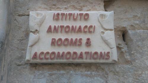 Istituto Antonacci Rooms