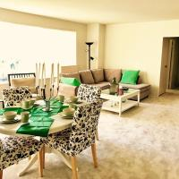 Comfortable Apartment at Grove