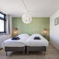 Spacious Koningstraat Apartment (sleeps4)