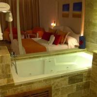 Pool & Spa Suites