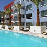 Downtown LA Entertainer Pool Suite
