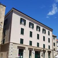 Split Promenade Apartments