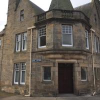 Grade 2 Listed 3 bed Townhouse in centre of Elgin