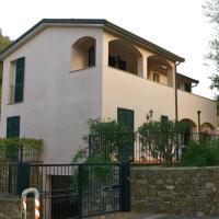 Appartamento in villa a Dolcedo con giardino