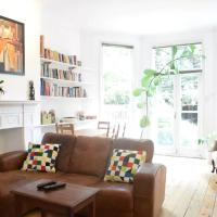 A Gorgeous 3-Bed Family Apartment in NW London
