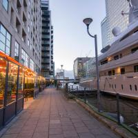 Canary Wharf - Corporate Riverside Apartments