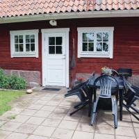 Two-Bedroom Holiday home with a Fireplace in Landsbro